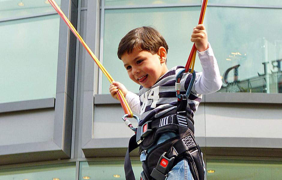 Kinderveranstaltungen Berlin Bungee-Trampolin