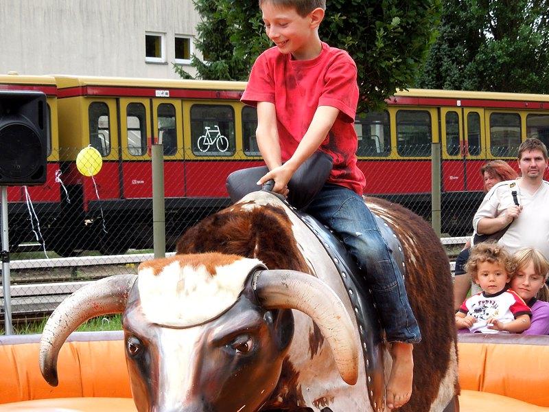 kinderveranstaltungen-berlin-bull-riding-mieten-02